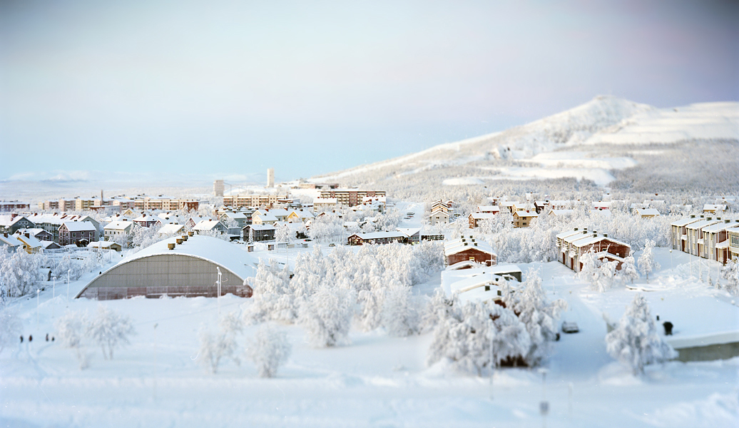 Luossavaara looking west - the township of Kiruna which is undermined by the ironore mine and is about to move. The <em>town</em> that is.