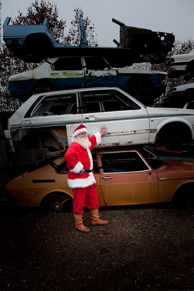 The Santa in <i>Halla</i> likes kids and has his own car scrapyard.
